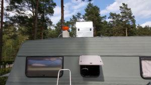 Alubox auf dem Wohnwagendach